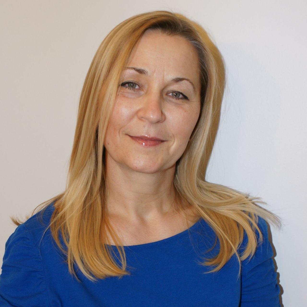 Szinger Margit textiltervező iparművész